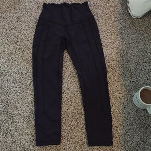 Lululemon Crops all the right places crops size 4